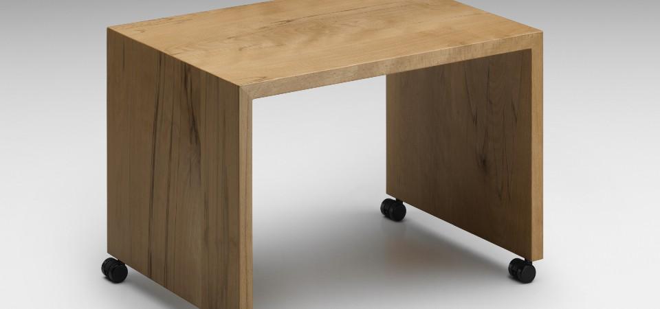beistelltische aus glas metall holz. Black Bedroom Furniture Sets. Home Design Ideas